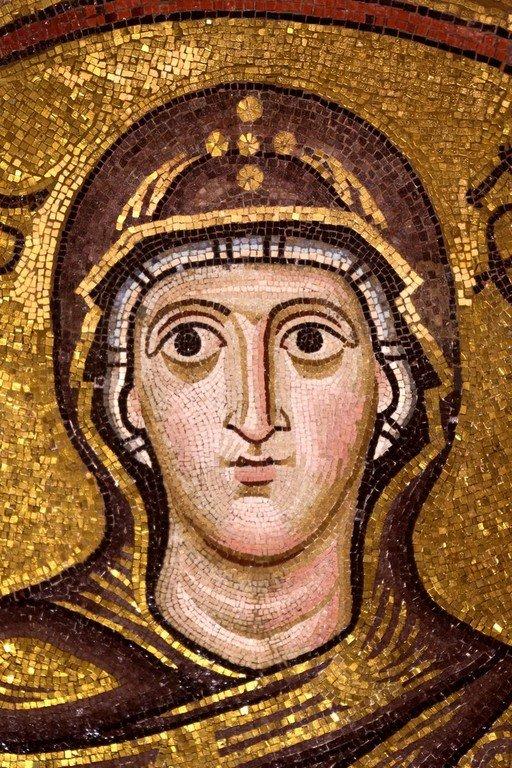 Богоматерь Оранта. Мозаика монастыря Осиос Лукас, Греция. XI век. Фрагмент.