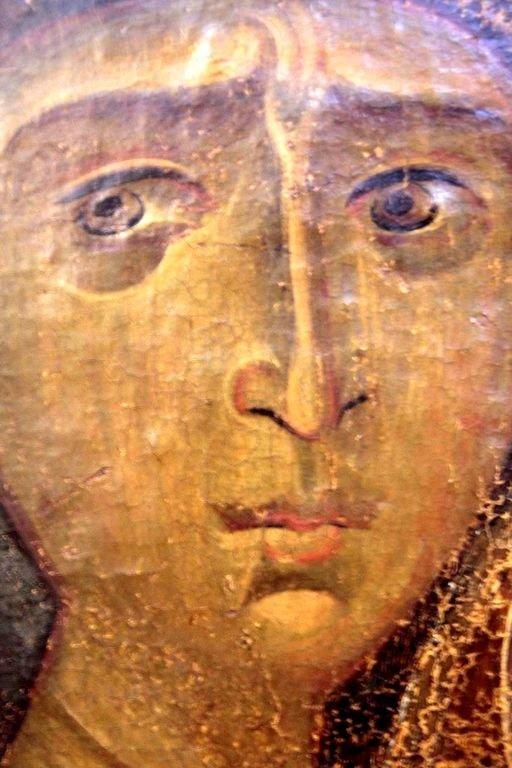 """Лик Пресвятой Богородицы. Фрагмент иконы """"Богоматерь Одигитрия"""". Византия, XII век. Византийский музей в Кастории, Греция."""