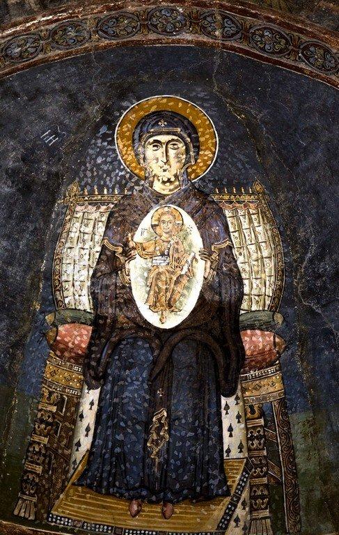 Богоматерь Никопея. Фреска собора Святой Софии в Охриде, Македония. Около 1040 года. Фрагмент.