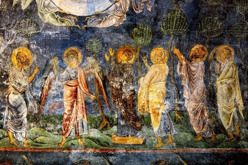 Вознесение Господне. Фреска собора Святой Софии в Охриде, Македония. Около 1040 года. Фрагмент. Апостолы и Пресвятая Богородица.