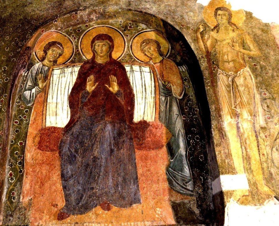 Пресвятая Богородица с предстоящими Ангелами Господними. Фреска Бачковского монастыря, Болгария. XI век.