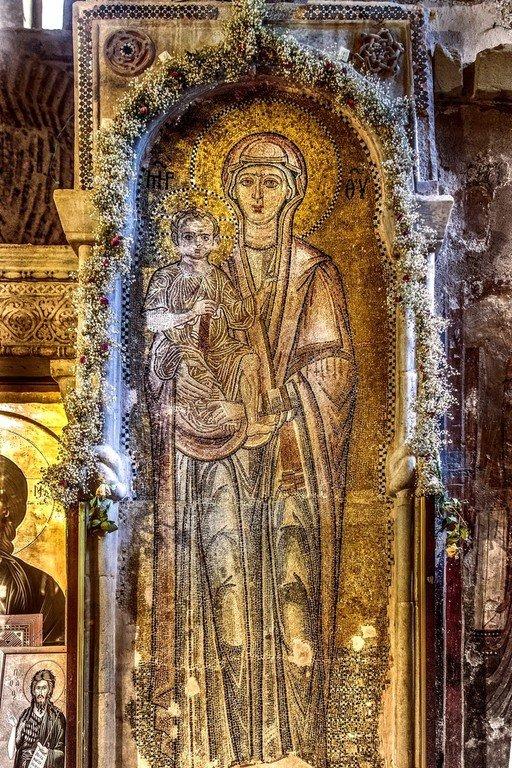 Пресвятая Богородица с Младенцем. Мозаика церкви Порта Панагия близ Трикалы, Греция. Около 1285 года.