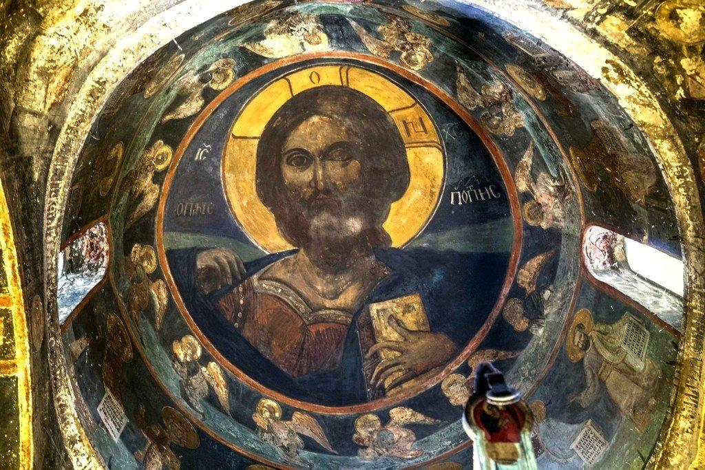 Христос Всевидящий. Фреска купола церкви Святого Георгия в Оморфокклисии, Греция.