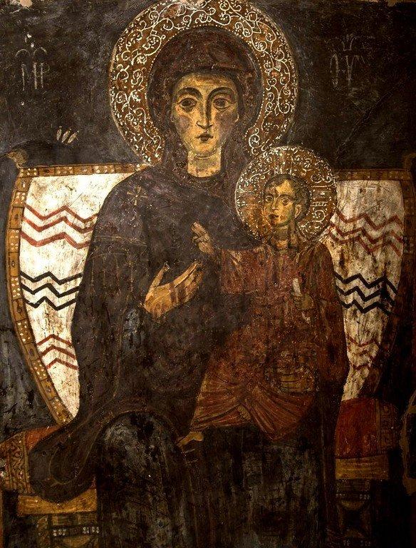 Пресвятая Богородица с Младенцем на троне. Византийская фреска в церкви Святого Стефана в Кастории, Греция.