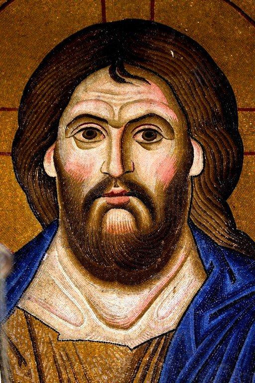Христос Пантократор. Мозаика монастыря Осиос Лукас, Греция. 1030 - 1040-е годы. Лик Спасителя.
