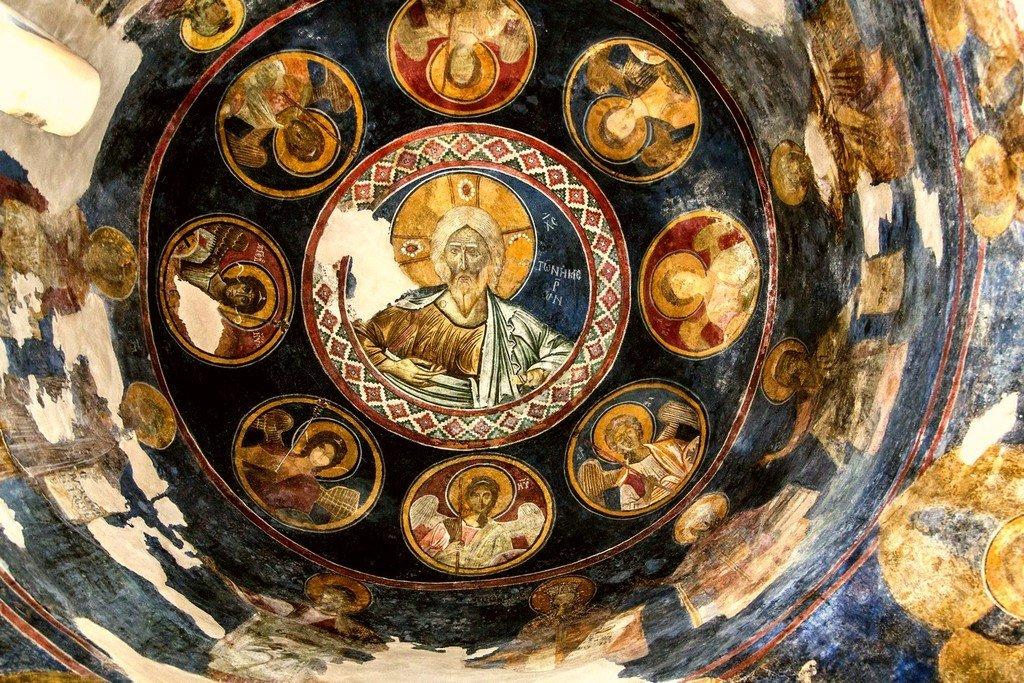 Христос Ветхий денми. Византийская фреска в церкви Святой Феодоры в Арте, Греция.