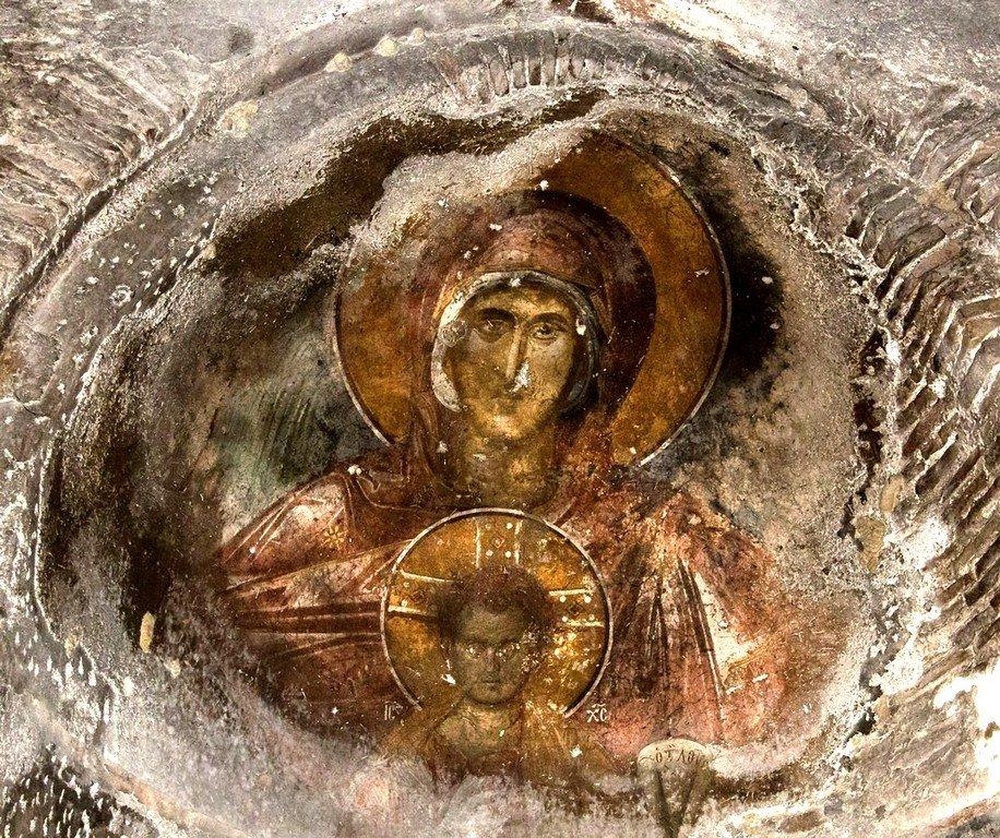 Пресвятая Богородица с Младенцем. Фреска церкви Святого Димитрия Кацуриса в Арте, Греция. Конец XIII века.