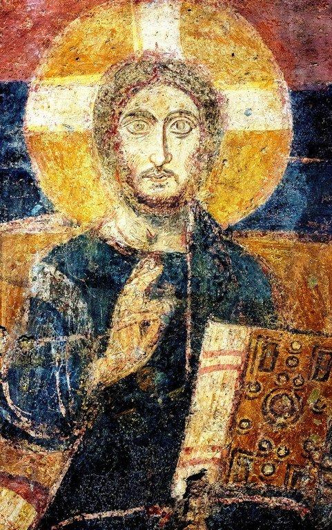 Христос Пантократор. Византийская фреска VII века в церкви Санта-Мария-Антиква в Риме.
