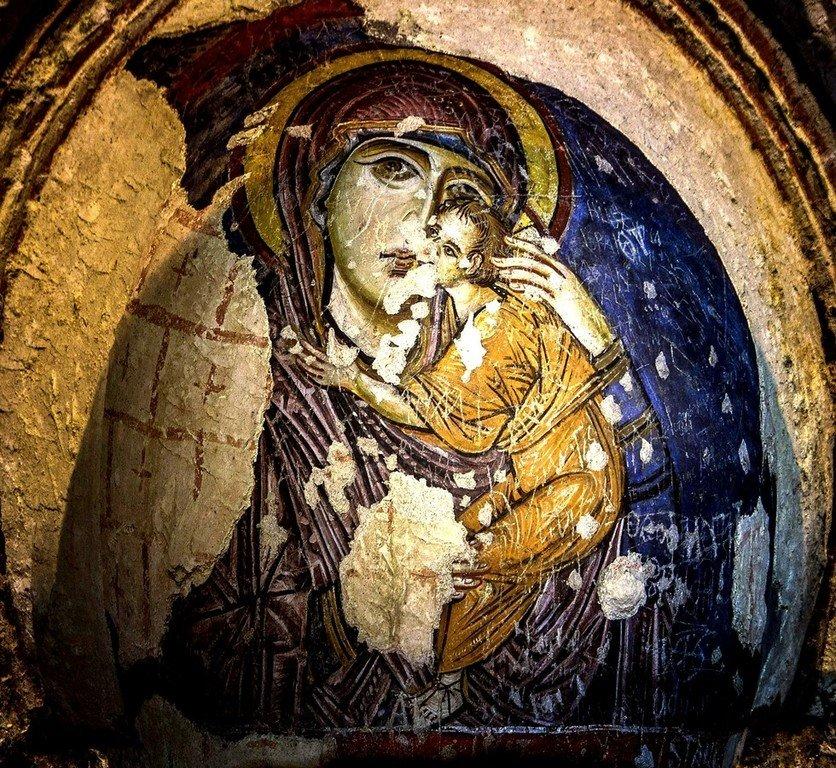 Богоматерь Елеуса. Фреска церкви Токалы килисе в Гёреме, Каппадокия. X век.