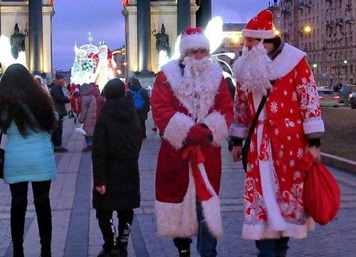 Деды Морозы в широком ассортименте