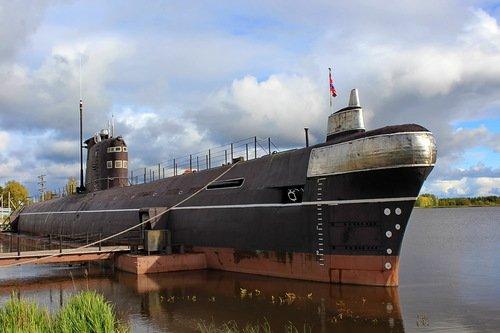 музей в подводной лодке в городе Вытегра