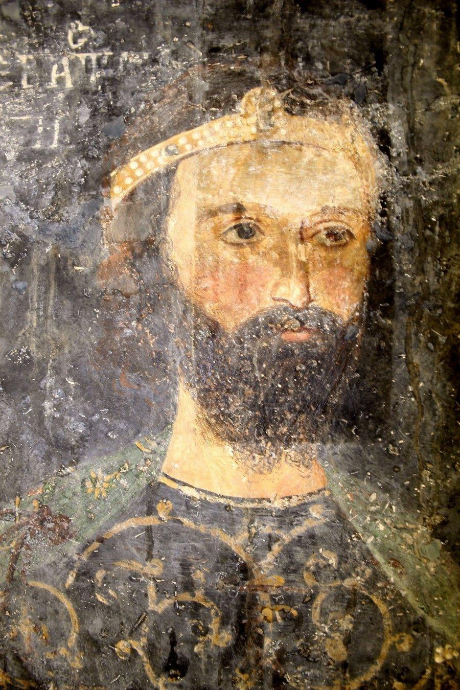 Ктиторский портрет севастократора Калояна. Фреска церкви Святых Николая и Пантелеимона (Боянской церкви) близ Софии, Болгария. 1259 год.
