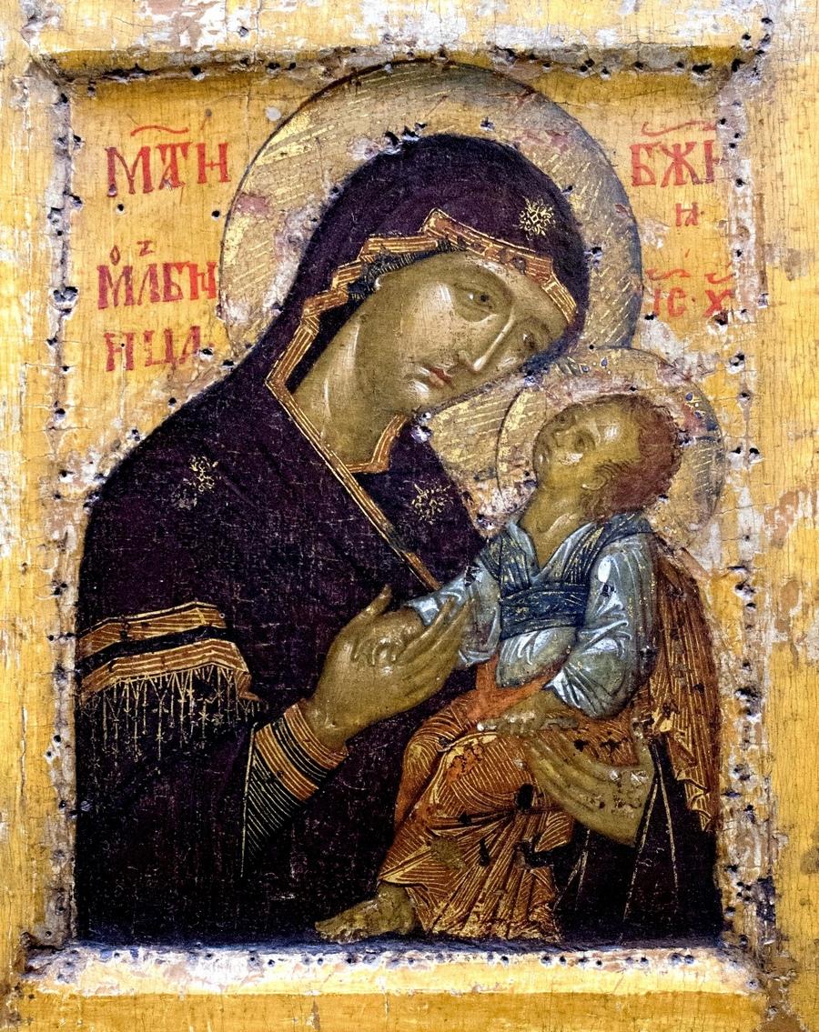 Мати Божия Молебница. Икона. Сербия, последняя четверть XIV века. ГТГ.