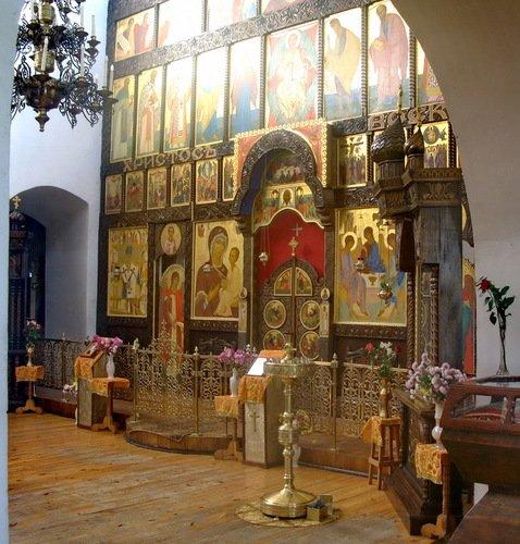 Иконостас церкви Покрова Пресвятой Богородицы Марфо-Мариинского монастыря