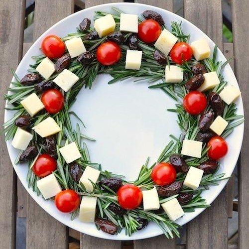 Как оформить закуски для праздничного стола.