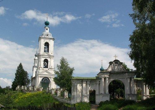 Церковь Покрова Пресвятой Богородицы в Толгоболе