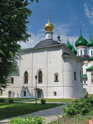 Крестовоздвиженская церковь в Толгском монастыре