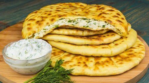 ЗАВТРАК. Хичин с сыром и зеленью.